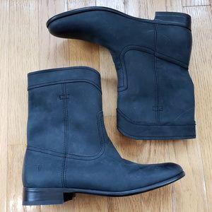 NWOT Frye Black Suede Boots
